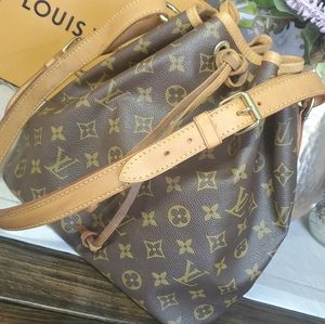💜Sold💜Authentic Louis Vuitton Noe Petit Monogram